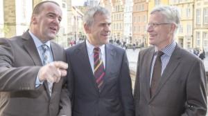 Innenminister Boris Pistorius, DTU-Vorsitzender Martin Engelhardt und Burkhard Jasper