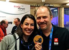 Dr._Lukas_Weisskopf_mit_Olympiasiegerin_Dominique_Gisin_(